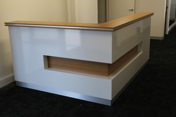 Reception Table : RT - 646